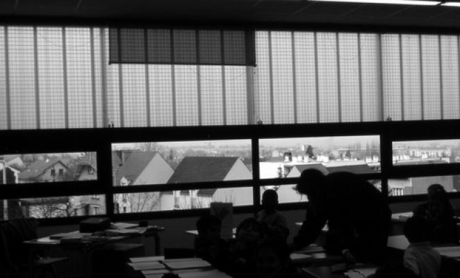Groupe Scolaire – vue int classe primaire